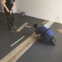 Pokládka podlahy z vinylu